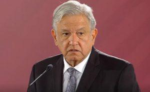 """CIUDAD DE MÉXICO, 03DICIEMBRE2018.- Andrés Manuel López Obrador, Presidente de México, acompañado por Olga Sánchez Cordero, Secretaria de Gobernación; Alejandro Encinas, Subsecretario de Derechos Humanos de la SEGOB y familiares de los 43 jóvenes normalistas desaparecidos, encabezó la firma del """"Drecreto presidencial para la verdad en el caso Ayotzinapa"""". FOTO: MISAEL VALTIERRA /CUARTOSCURO.COM"""