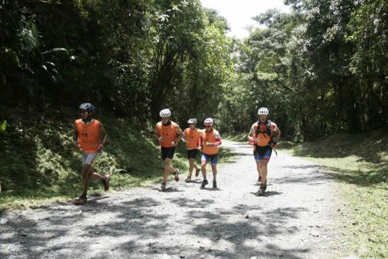 Tropical Adventure Series - Adondeirhoy.com