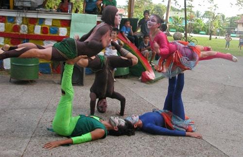 Intimidades de un circo a triple altura