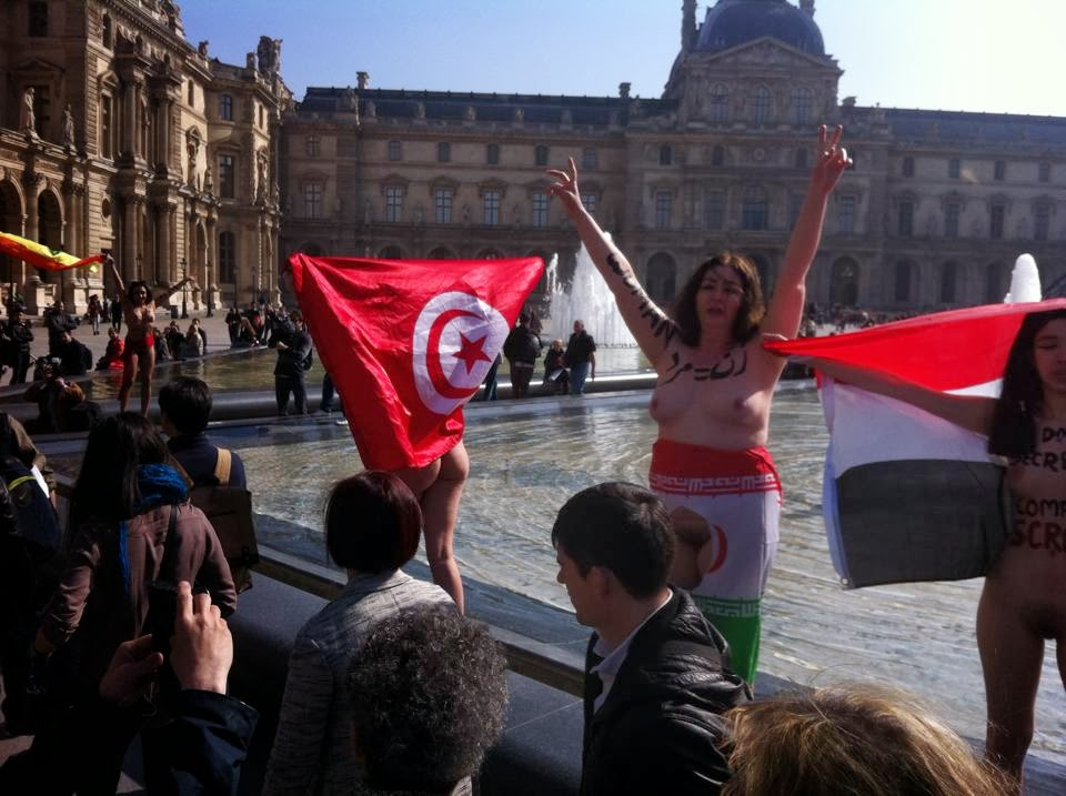 Nude dancing in Louvre Museum Square: Proud