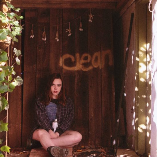 SOCCER MOMMY : Clean