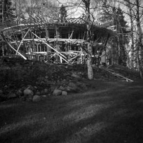 Näsinpuiston laululava rakenteilla 1953. Kuva: Esko Sarasmo/Vapriikin kuva-arkisto.