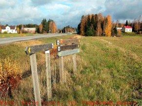 Birgitan polku -retkeilyreitti kulkee Hääkiven kalmiston ohi.
