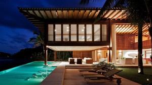 Living The Dream: A Tropical House Adorable Home