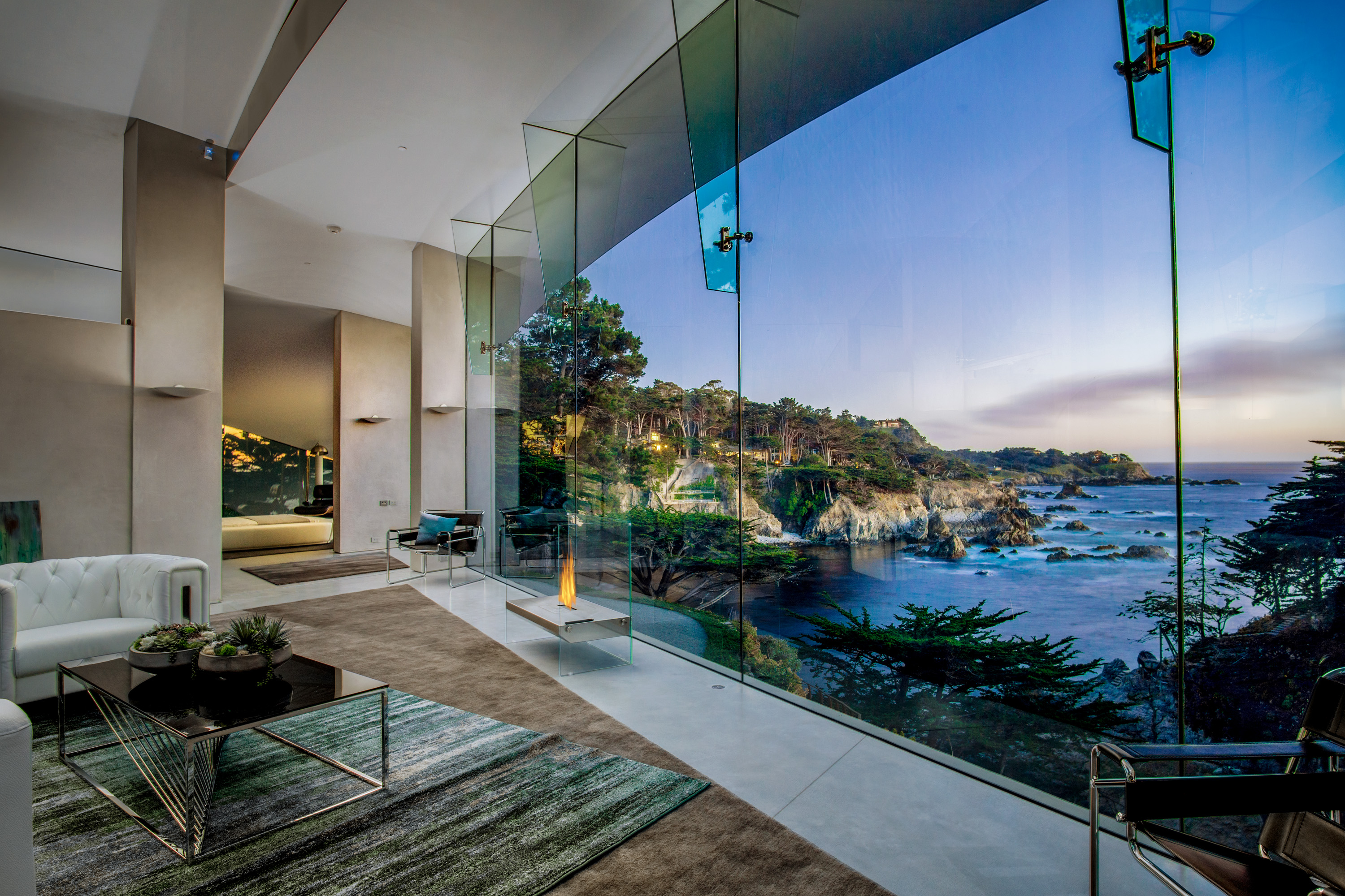 Art Becomes Life In This Incredible Oceanfront House