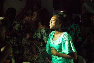Tehillah, la cohorte d'adorateurs