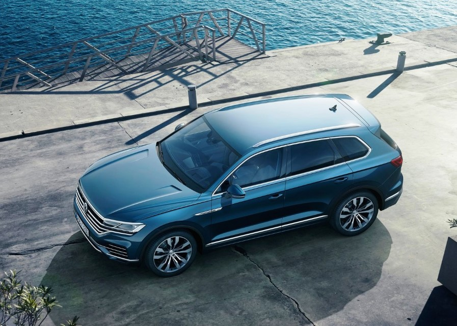 2020 VW Touareg R-Line Review