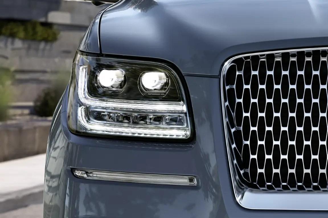 2021 Lincoln Navigator New Adaptive Headlamps