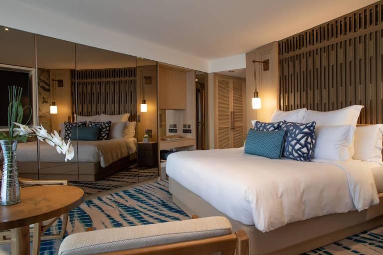 high_resolution_300dpi-jumeirah-beach-hotel-ocean-deluxe-room-1_6-4_landscape