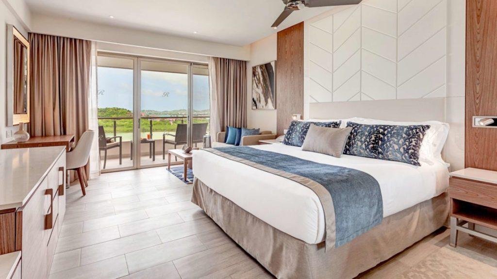 Royalton_Antigua_Luxury_Junior_Suite_Bay_View_Hi_Res_009