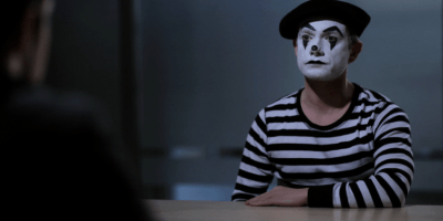 Screenshot aus THE GIRL IS MIME - Martin Freeman