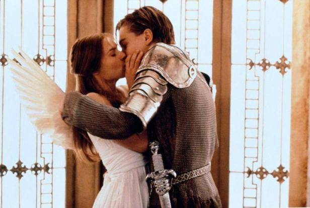 Filmstill aus ROMEO + JULIET - Julia (Claire Danes) und Romeo (Leonardo DiCaprio) - © 20th Century Fox