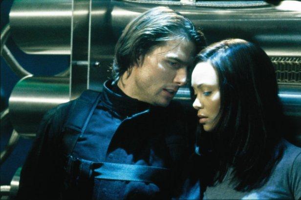 Szenenbild aus MISSION: IMPOSSIBLE 2 - Ethan (Tom Cruise) und Nyah (Thandie Newton) -  © 2011 Paramount Pictures
