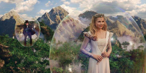 Glinda (Michelle Williams) - © Disney