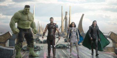 Filmstill aus THOR: RAGNAROK (2017) - Hulk (Mark Ruffalo), Thor (Chris Hemsworth), Valkyrie (Tessa Thompson) und Loki (Tom Hiddleston) - © Marvel Studios 2017