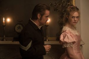 Filmstill aus THE BEGUILED (2017) - John (Colin Farrell) und Alicia (Elle Fanning) - © Universal Pictures