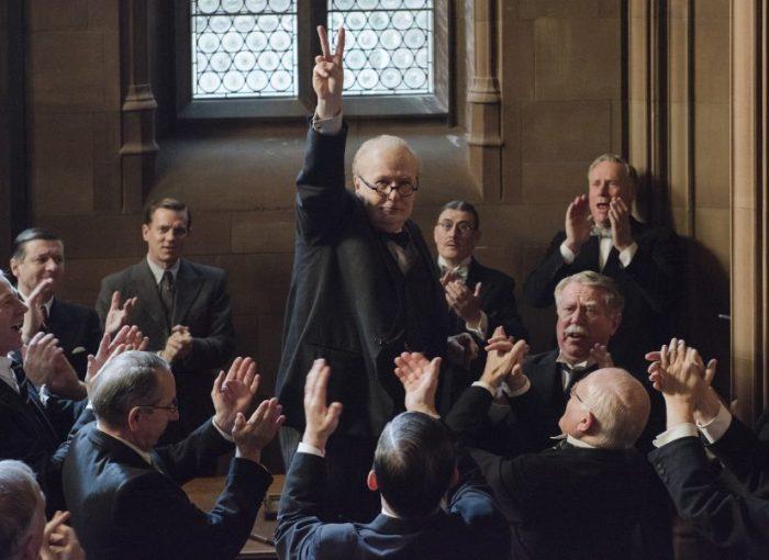 Szenenbild aus DARKEST HOUR - DIE DUNKELSTE STUNDE - Gary Oldman als Winston Churchill - Credit: Jack English / Focus Features