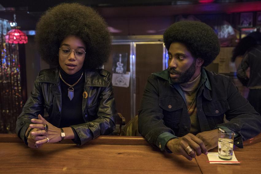 Szenenbild aus BLACKKKLANSMAN (2018) - Patrice (Laura Harrier) und Ron (John David Washington) - © Universal Pictures