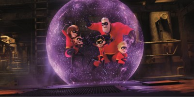 Szenenbild aus INCREDIBLES 2 (2018) - Familie Parr im Kampfgeschehen - © 2018 Disney•Pixar. All Rights Reserved.