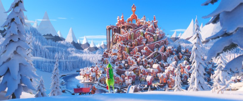 Szenenbild aus THE GRINCH (2018) - The Grinch (Benedict Cumberbatch) prepares to brave the relentless holiday cheer of Whoville with his loyal dog Max in Dr. Seuss' The Grinch from Illumination - © Universal Pictures