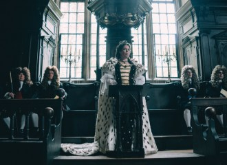 Szenenbild aus THE FAVORITE - Queen Anne (Olivia Colman) - © 20th Century Fox