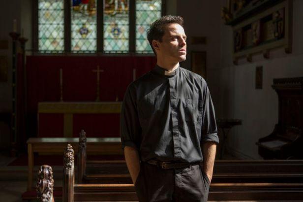 Szenenbild aus FLEABAG - 2. Staffel - Der Priester (Andrew Scott) - © BBC