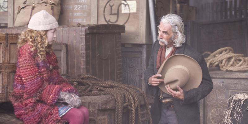 Szenenbild aus DER GOLDENE KOMPASS - THE GOLDEN COMPASS - Lyra (Dakota Blue Richards) trifft Lee Scoresby (Sam Elliott) - © New Line Cinema