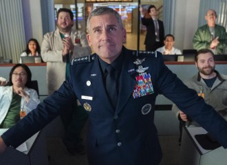 Szenenbild aus SPACE FORCE - 1. Staffel (2020) - General Mark Naird (Steve Carell) - © Netflix