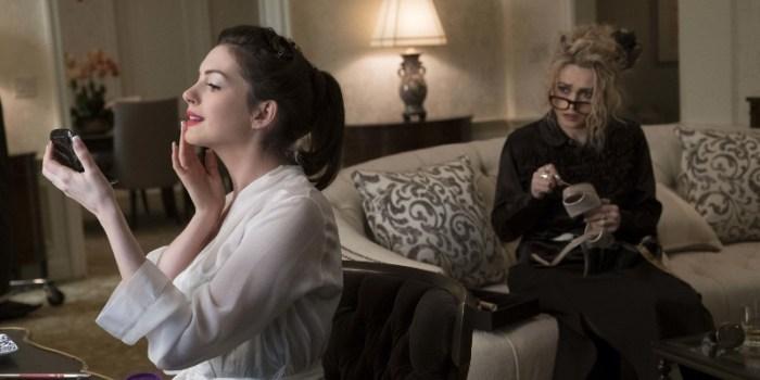 Szenenbild aus OCEAN'S EIGHT - Daphne Kluger (Anne Hathaway) wird bei der MET-Gala das teure Collier tragen. - © Warner Bros. Deutschland