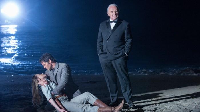 Szenenbild aus WESTWORLD - 1. Staffel (2016) - Für Dr. Ford (Anthony Hopkins) ist alles nur ein Spiel. - © HBO