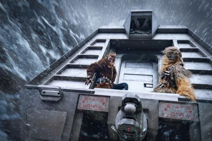 Szenenbild aus SOLO: A STAR WARS STORY - Han (Alden Ehrenreich) und Chewbacca (Joonas Suotamo) - © Disney