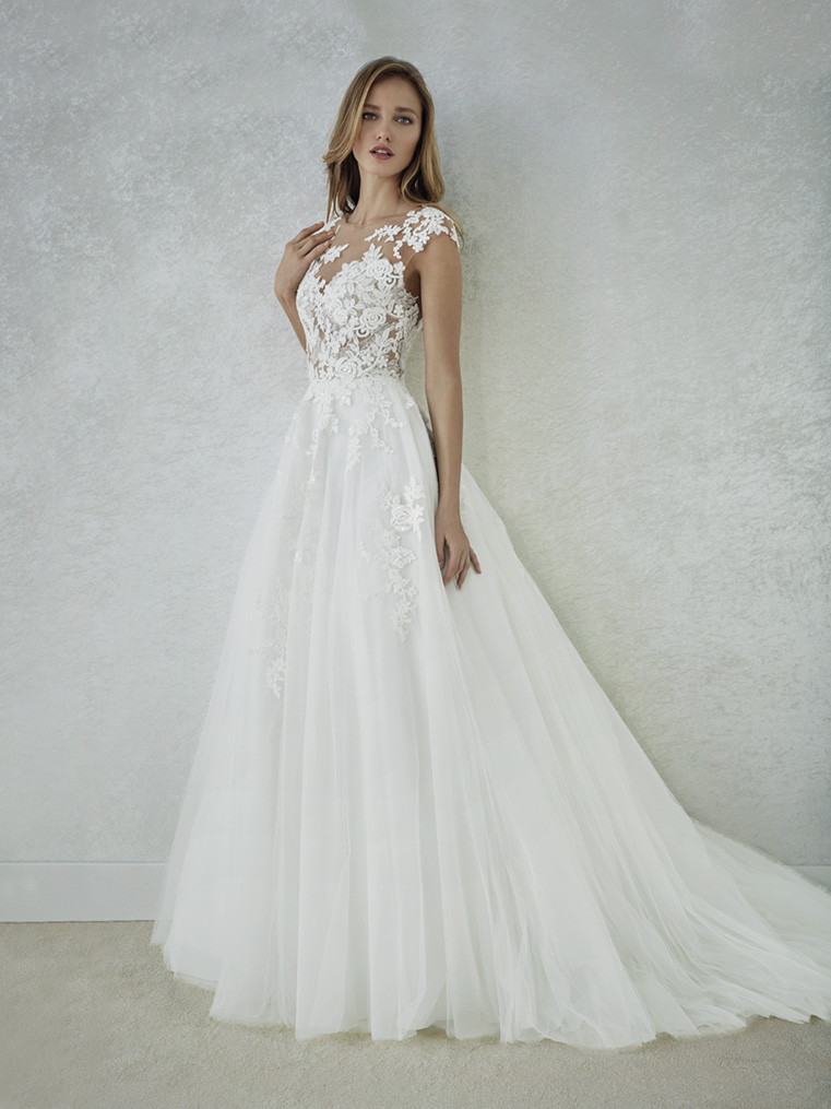 White One Brautmode Kollektion 2018 Bei Adornia Brautmode