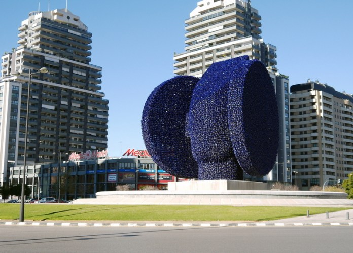 """We got on the bus at a large-scale sculpture, """"La Dama Iberica"""" (inspired by the Dama de Elche)"""