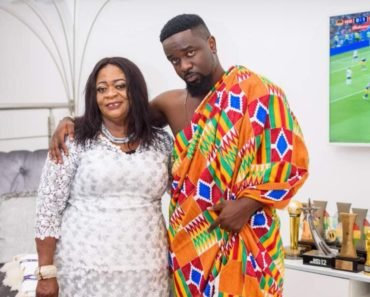 Watch: Sarkodie's mom captured rapping to his 'Bleeding' song