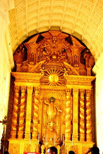 Basilica of Bom Jesus from inside