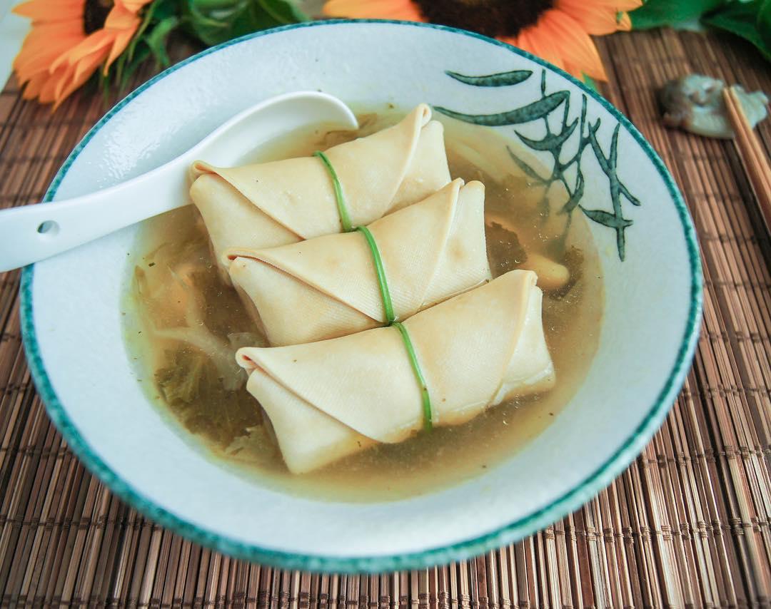 Chicken Soup with Tofu Pork Wrap