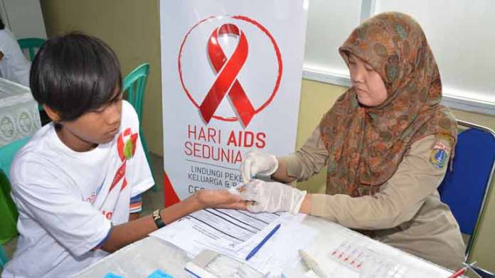 An essential part of the campaign is informing workers and their families about the benefits of testing, and their rights if they are found to be living with HIV.