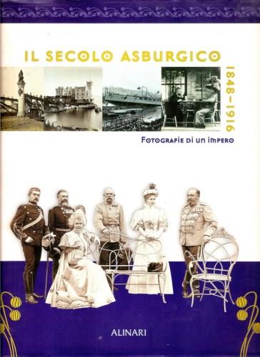 Photo officielle de la visite de l'Empereur François-Joseph à Sinaia, entouré de la famille royale de Roumanie, sur la couverture du livre accompagnant l'exposition