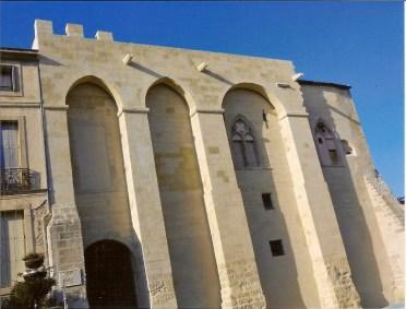 Façade du château de Capestang, après la restauration de 2011
