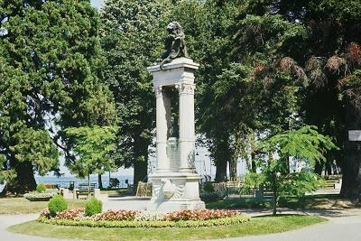 Monument de Grégoire Brancovan sur les bords du Lac Léman, à Evian