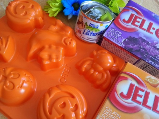Ingredients to prepare Halloween Jello for the kids