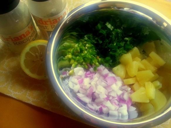How to prepare the Pineapple Jalapeño Salsa