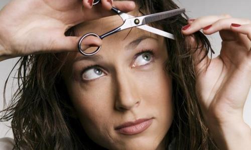 cortando-cabelo-sozinha