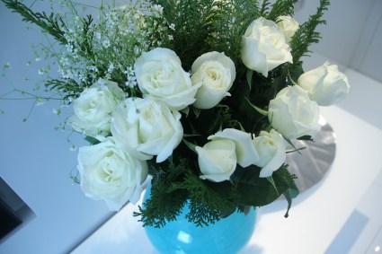 adriano-gronard-arquitetura-interiores-decoração-flores-roasas-brancas-vaso-decor-adrianogronardphoto