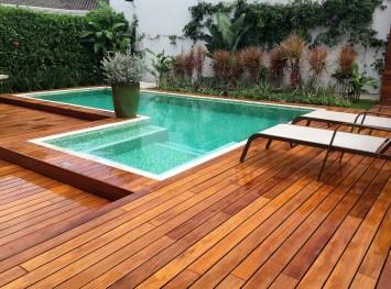 Deck e piscina