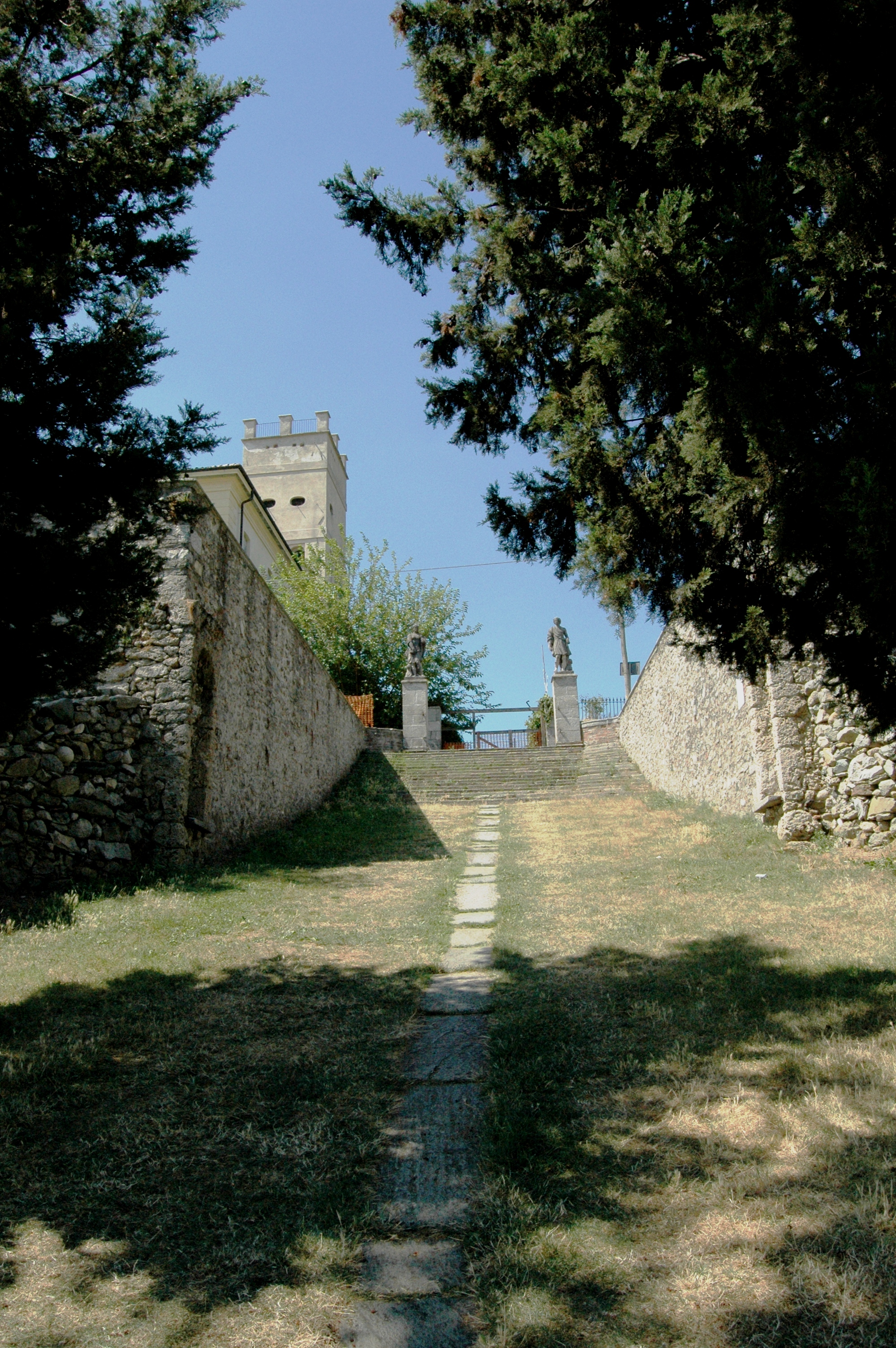 Inverigo (CO), Castello Crivelli