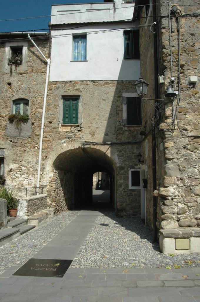 Vallecrosia (IM), centro storico di Vallecrosia Alta