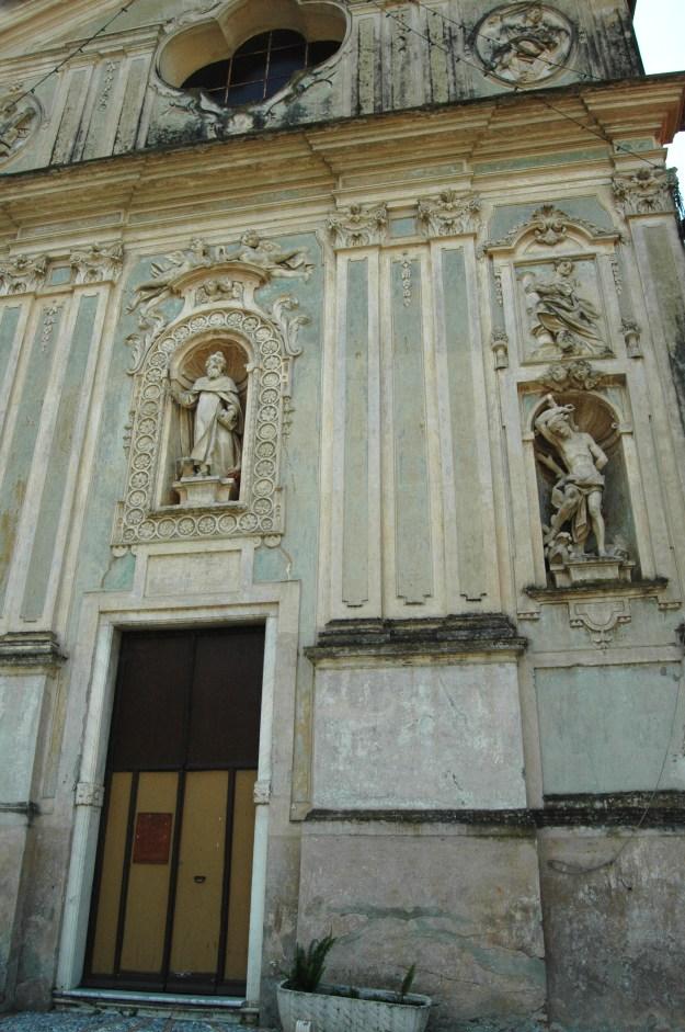 Un particolare della facciata di S. Antonio Abate