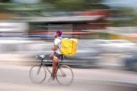Nueva Sentencia que declara la laboralidad en Glovo. Aplica el Convenio Colectivo del Transporte categoría de Mozo