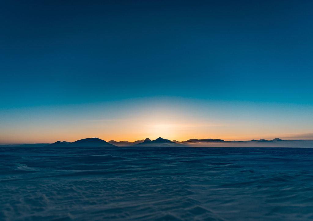 Svalbard Longyearbyen Pyramiden Sunset